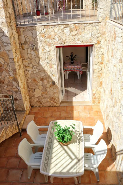 Puglia, Salento in Gallipoli Lido di Pizzo, one bedroom apartment in a villa with terrace - Apartment sea