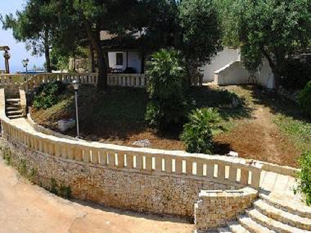 Apulia Puglia holidays - Favolous holiday Villa for rent in Novaglie - villa hill sea view